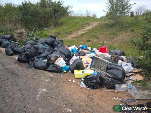 Image from: 'Fly-tipping complaints fall in Shefffield during coronavirus lockdown'