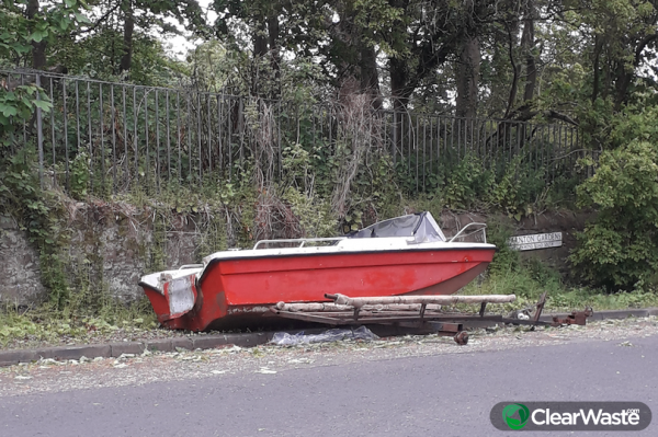 Image from: 'Boat dumped by roadside in Edinburgh as fly tippers continue to blight city during the coronavirus pandemic.'